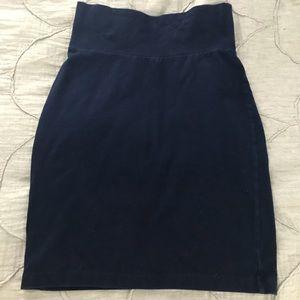 Stretch pencil skirt